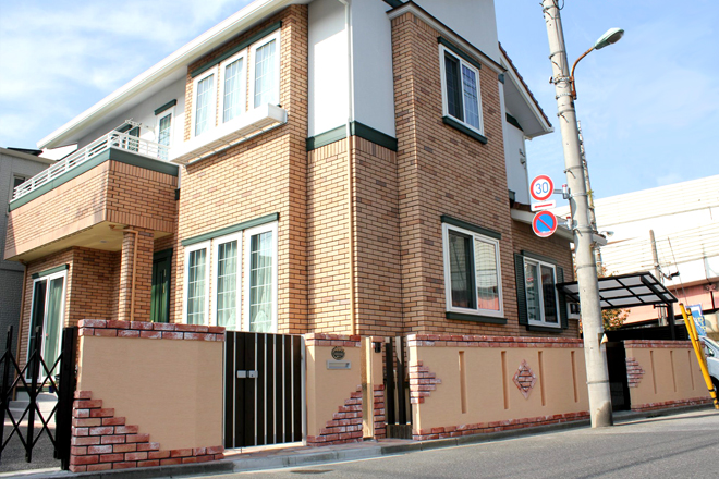 レンガ調のタイルと塗壁のお家~埼玉県川口市 M様邸