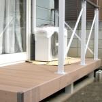 耐久性のある人工木のウッドデッキ